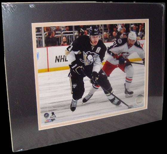 Evgeni Malkin Pittsburgh Penguins Puck Matted 8x10 Photo Picture Poster Print