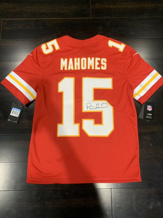 official photos ca00a 4df0a PATRICK MAHOMES AUTOGRAPHED KANSAS CITY CHIEFS NIKE LIMITED ...