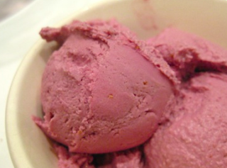 Raspberry Rum Ice Cream