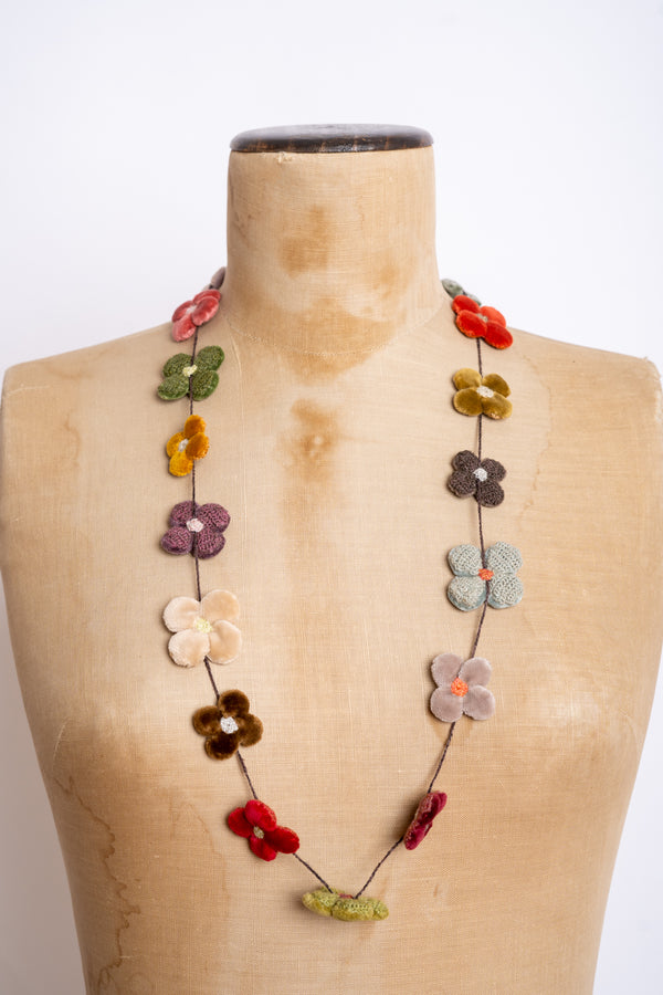 Sophie Digard - CF4PV - MR KERYYHILL/GRO -- Fleur 4 petals velours medium crocheted necklace