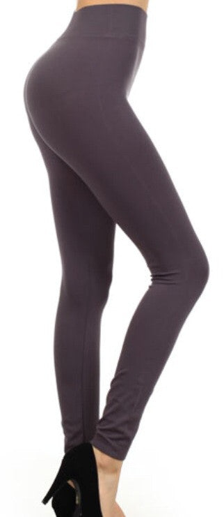 Fleece Lined Seamless Leggings in Charcoal - Tilted Halo Boutique