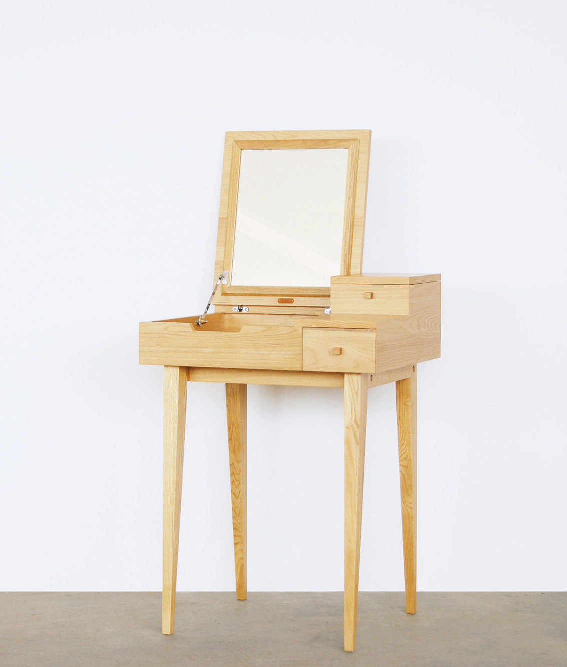 BALLET DRESSING TABLE Natural Oak