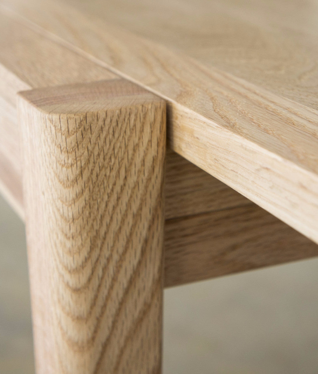 CINDY LONG FOLDING TABLE Detail