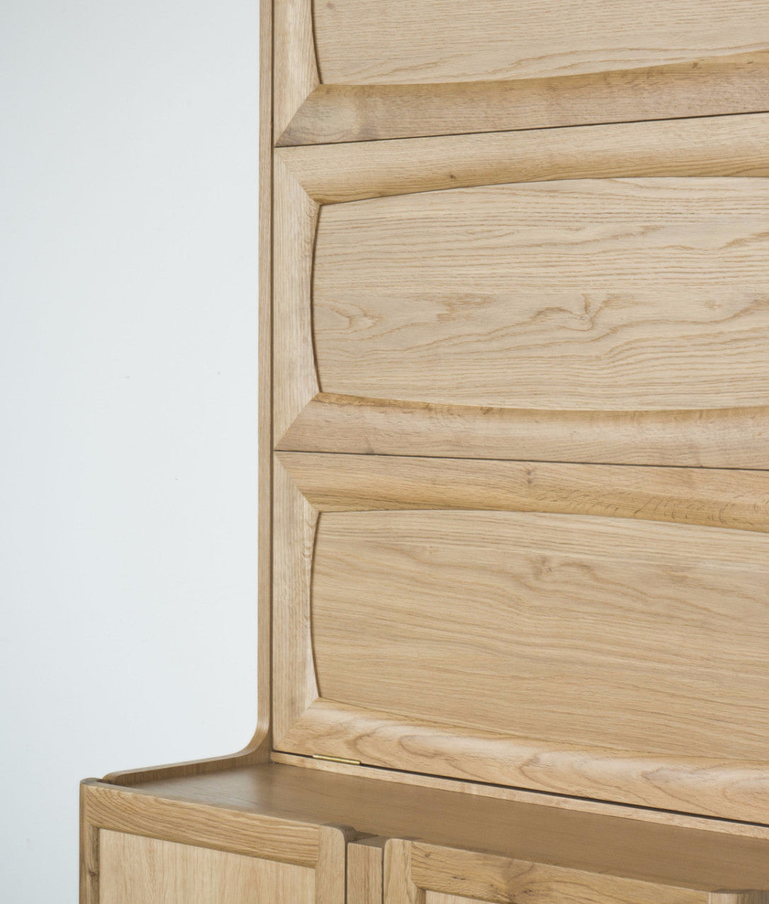 Ziinlife APO CUPBOARD CLOSE UP