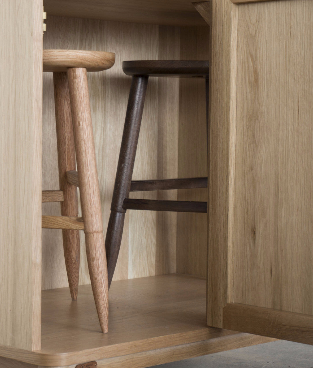Ziinlife APO CUPBOARD Hide Stool