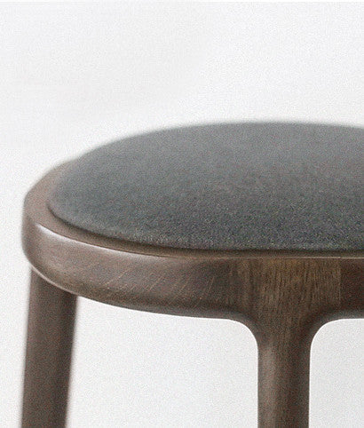 SCALE BAR STOOL detail