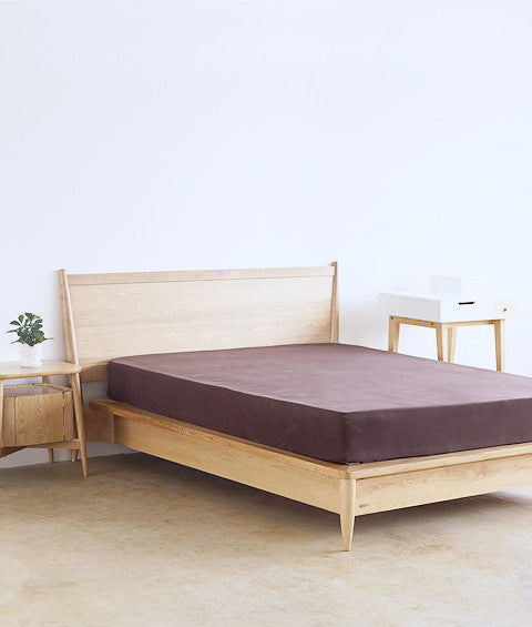 Classic Bed Stand Decorating Ideas