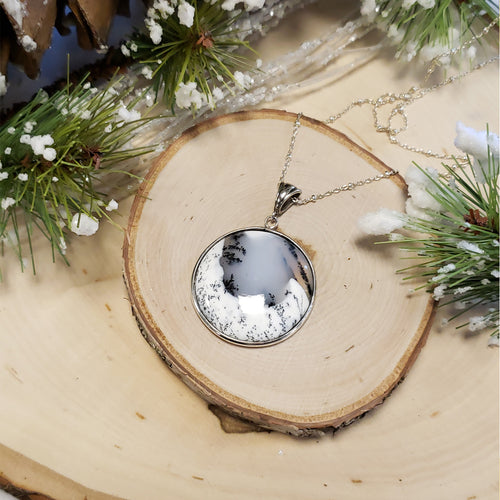 Snowy Chalcedony Round Necklace