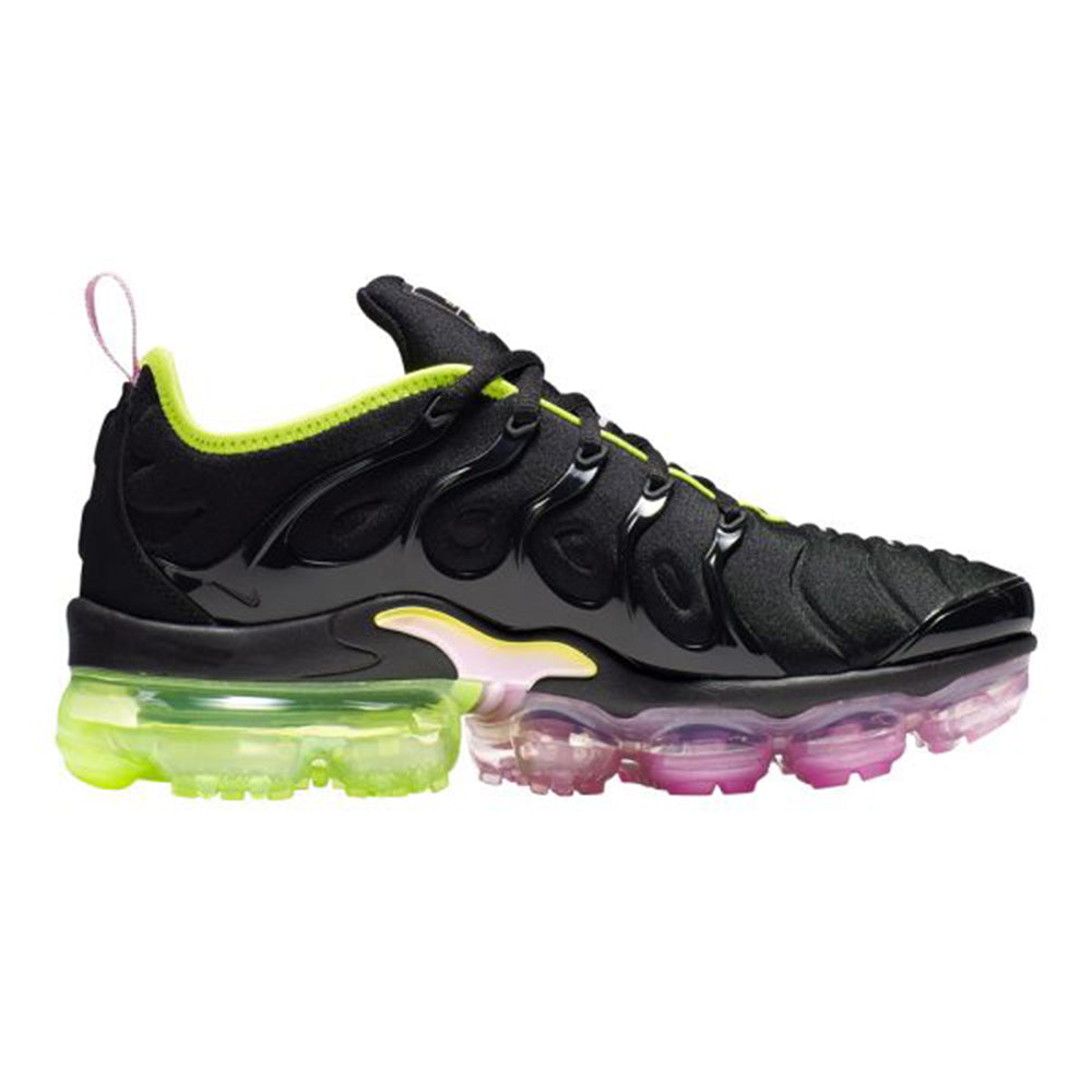 "Nike Women Air Vapormax Plus ""Pink Rise"" Available Now"