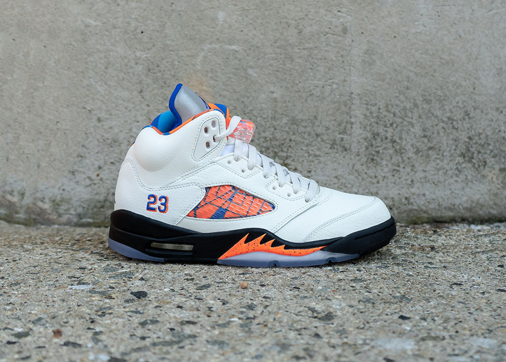 "Air Jordan Retro 5 "" International Flight"" Available 8.25"