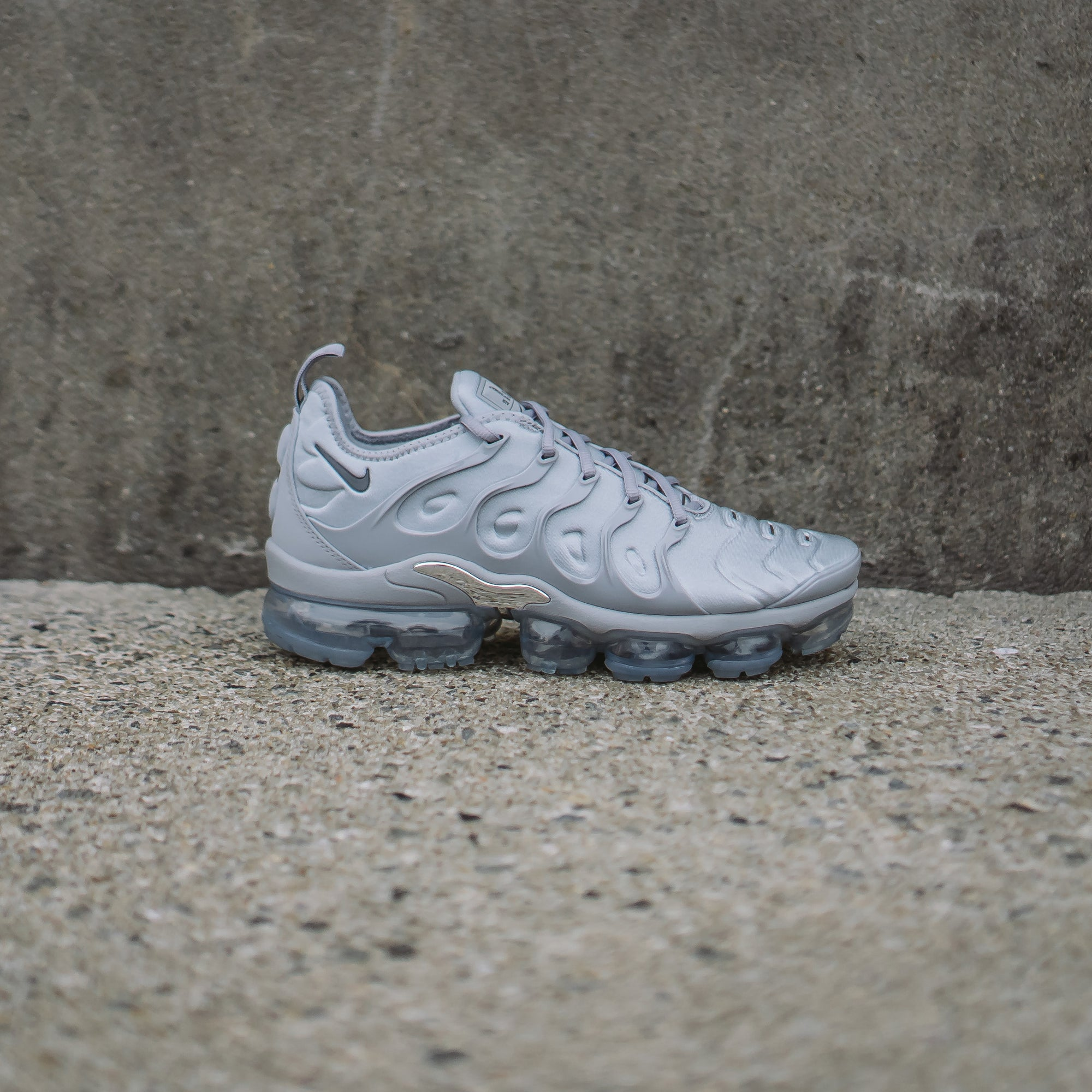 "Nike Vapormax Plus ""Wolf Grey"" Available 2.24"