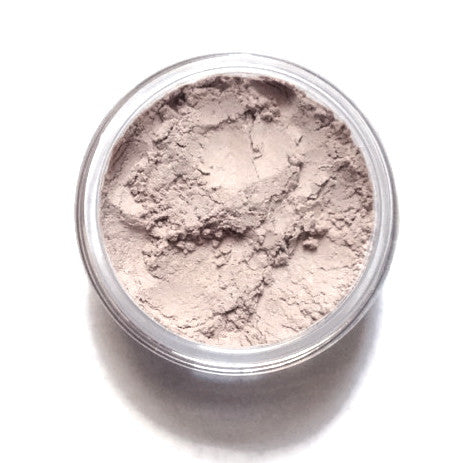 Champagne Mineral Eyeshadow - light cream shade with a pearl sheen