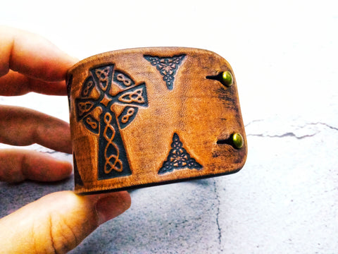 "2"" Celtic Cross Leather Bracelet LARGE"