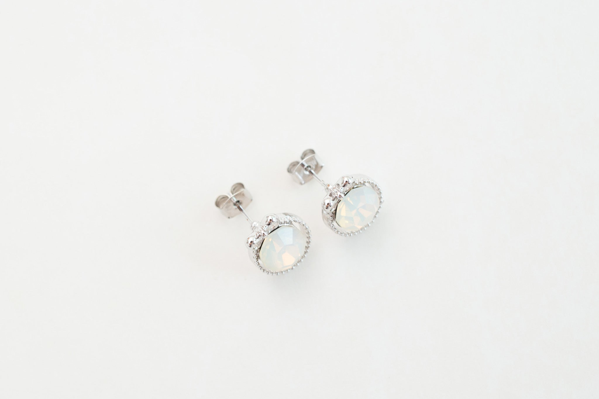 Ribbon & The Crystal Earrings / ER8094