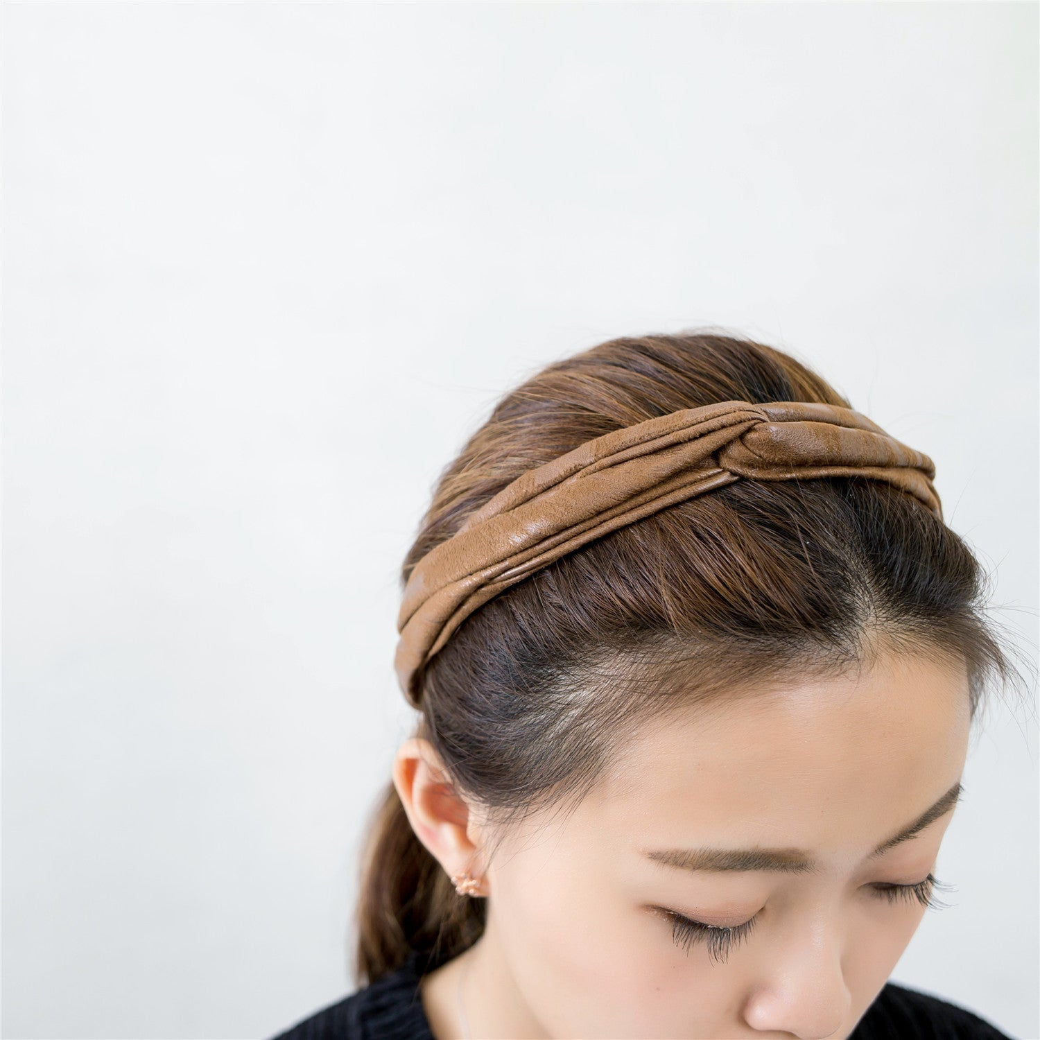 Leatherlike Side Ribbon Elastic Hairband / HA8024