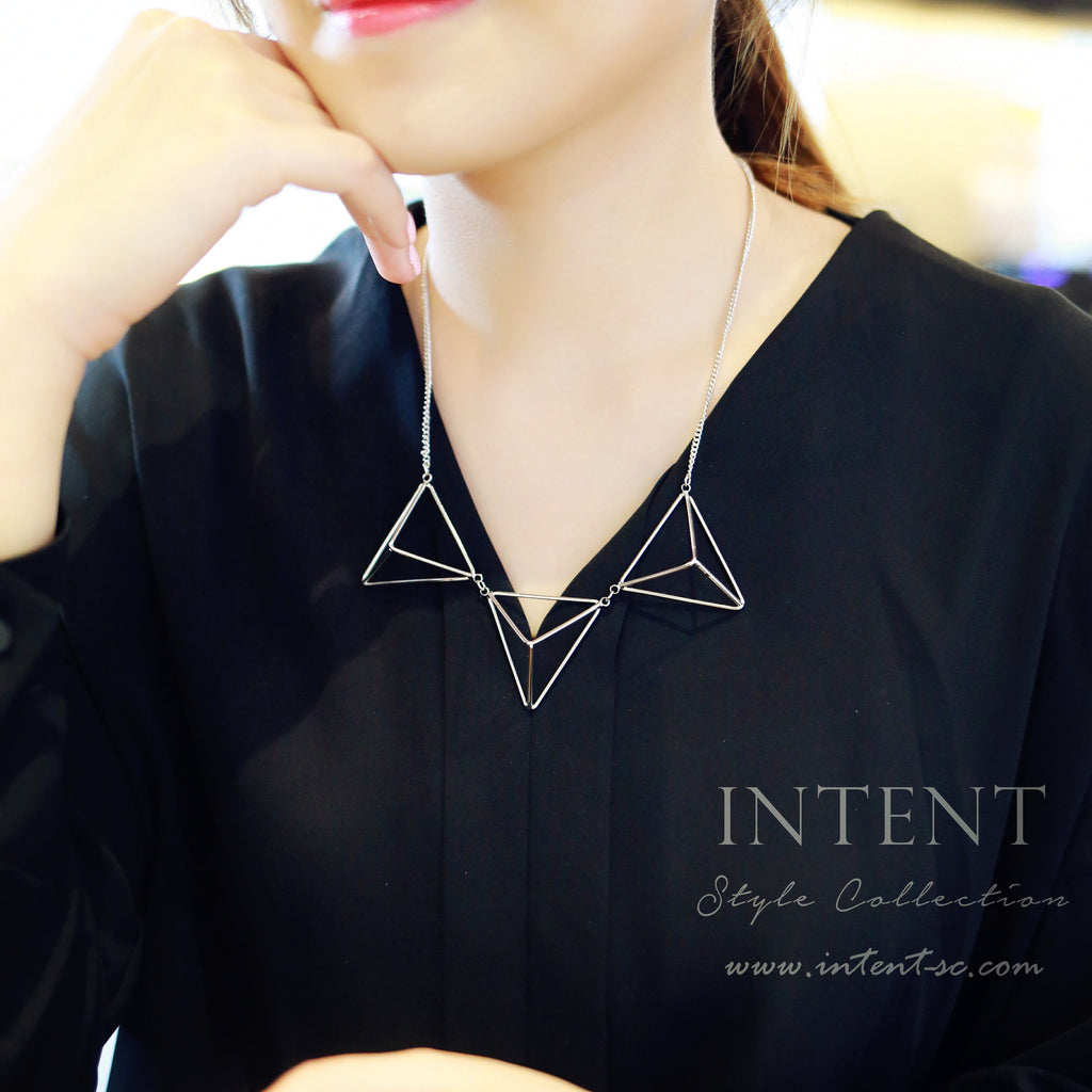 Triangle Dimension Necklace / NL8060
