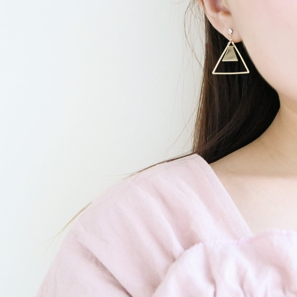 """Ring me"" double triangle earrings / ER8140"