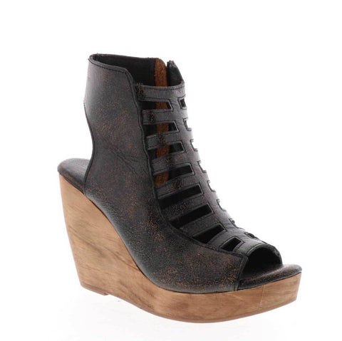 Very Volatile Anouk Wedge in Brown