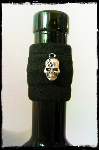 Wine accessory drip stopper band with edgey silver skull