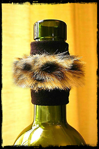 Wine band accessory drip stopper with furry leopard band dripteez