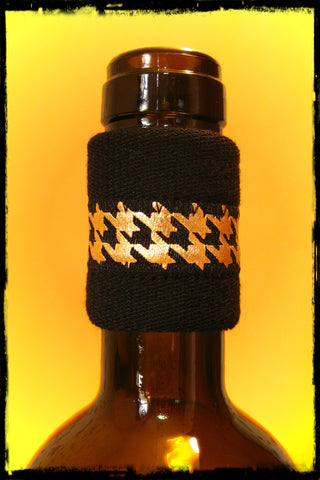 Wine Bottle Drip Stopper band with Gold Metallic Houndstooth