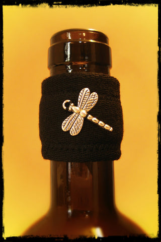 Wine band drip stopper with silver dragonfly