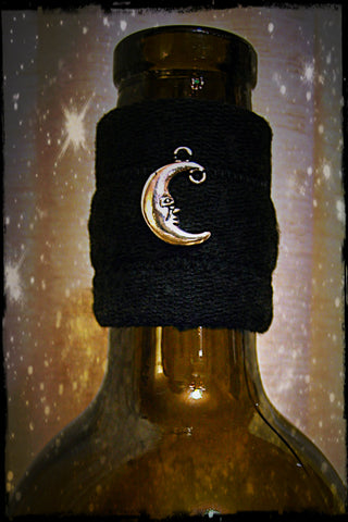 Wine accessory gift drip stopper with silver moon pendant
