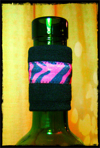 Wine accessory gift drip stopper with pink and black zebra dripteez