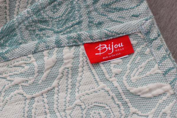 "Baby ""B"" Blanket - Bijou Wear Gear baby carrier"