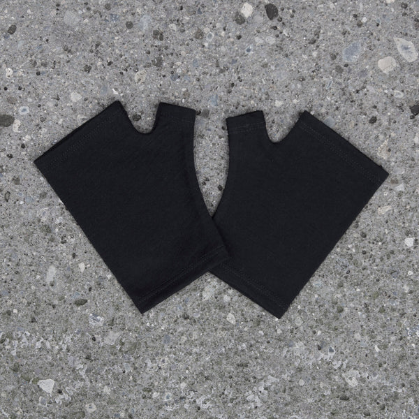 2018 kate watts merino fingerless gloves black hobo length