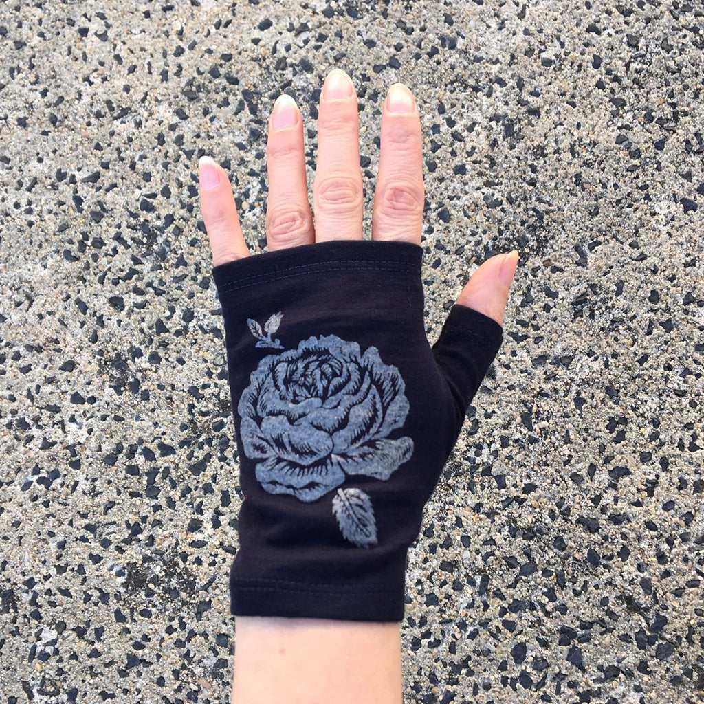 Ink hobo length rose print merino fingerless gloves