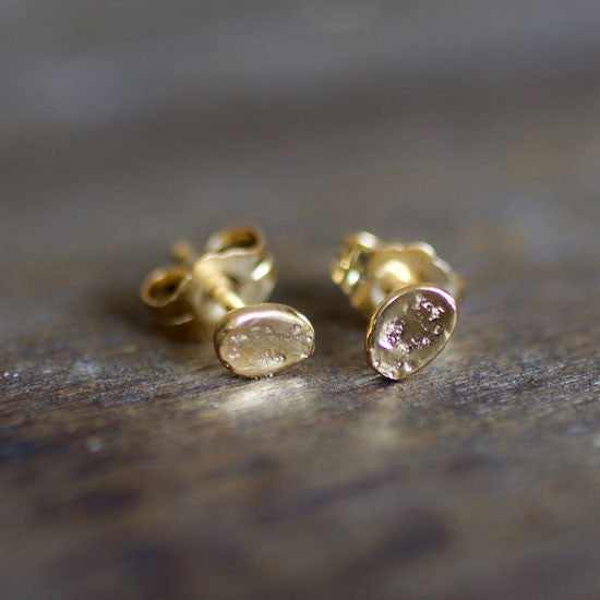 Ocean Pebble Gold Studs