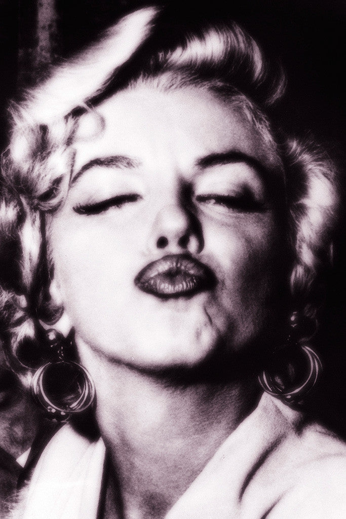 Marilyn Monroe Kiss Hot Girl Sexy Woman Poster
