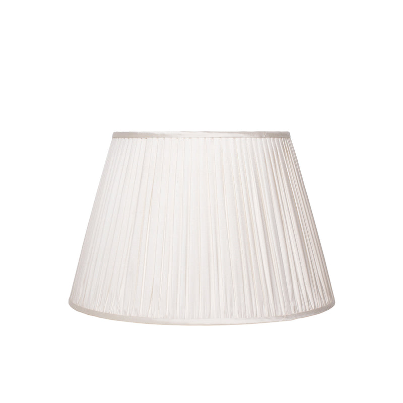 PLEATED SILK LAMPSHADE IN IVORY