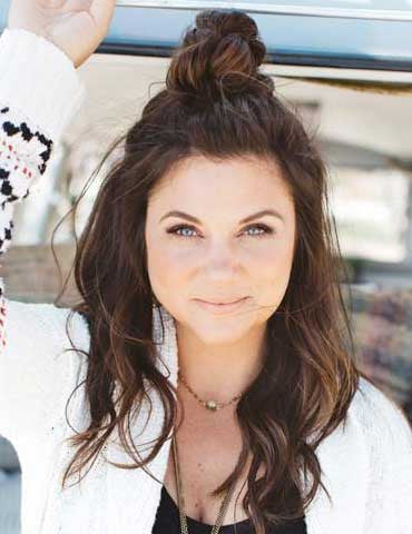 Bohemian Waves with Tiffani Thiessen