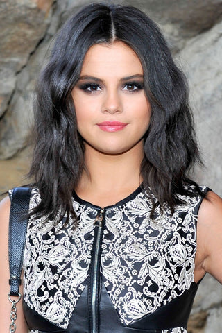 selena gomez loose waves