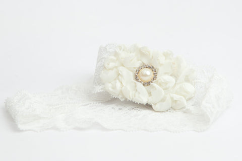 Couture Ivory Garter