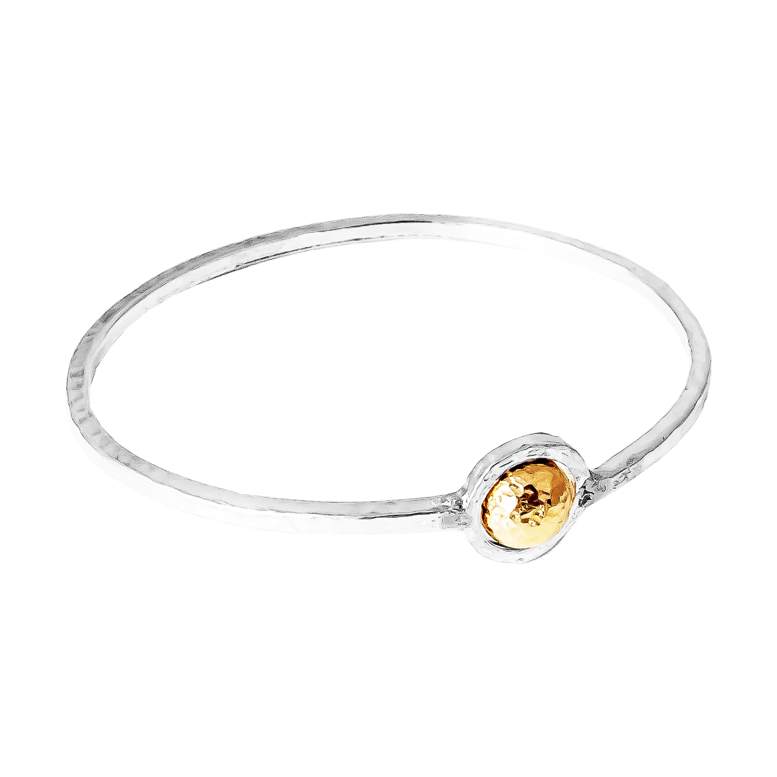 Atticus Large Feature Oval Hammered Bangle | Hammered Gold Detail