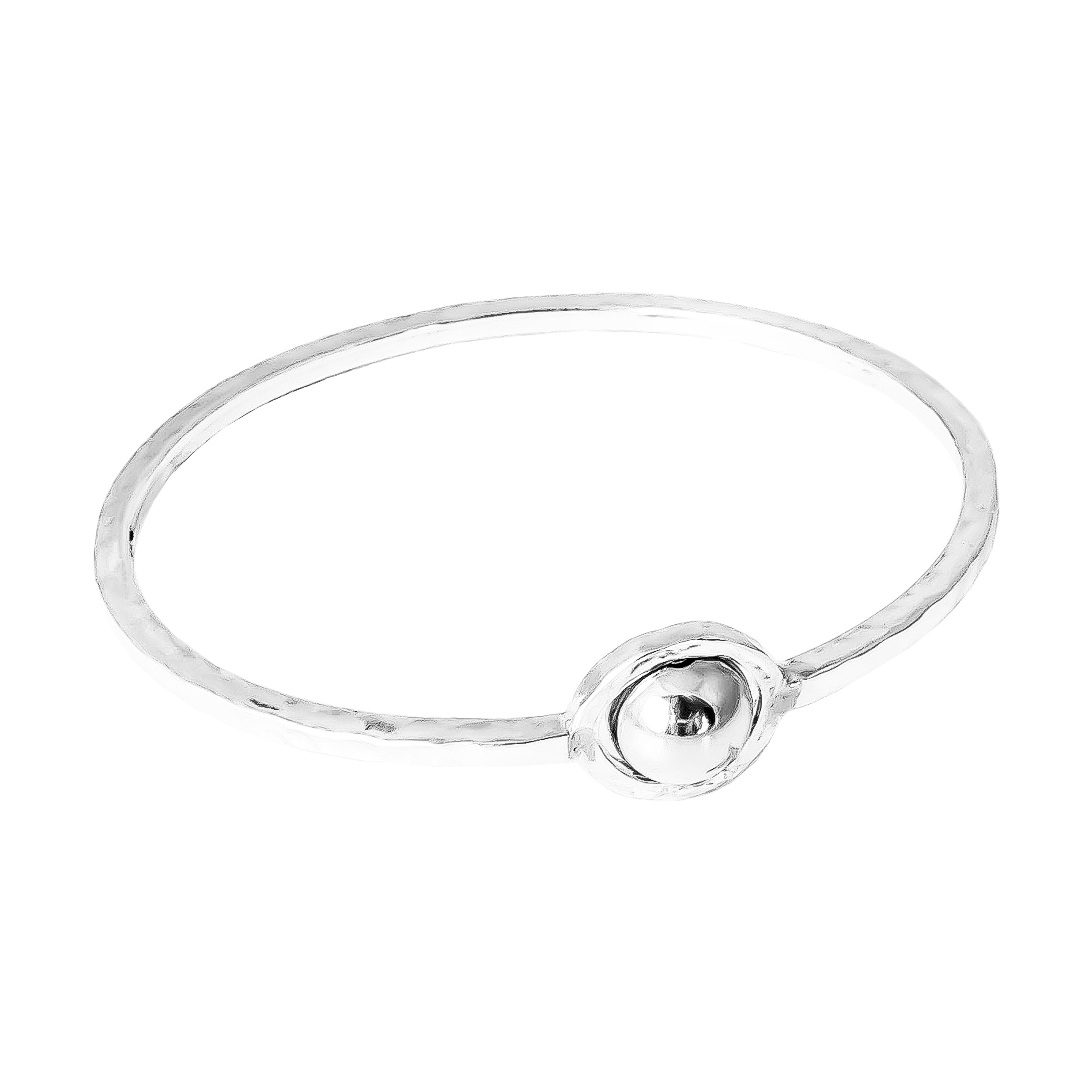 Atticus Large Feature Oval Hammered Bangle | Polished Silver Detail