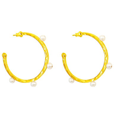 Bella Hammered Hoop Earrings | Gold With Pearl Detail