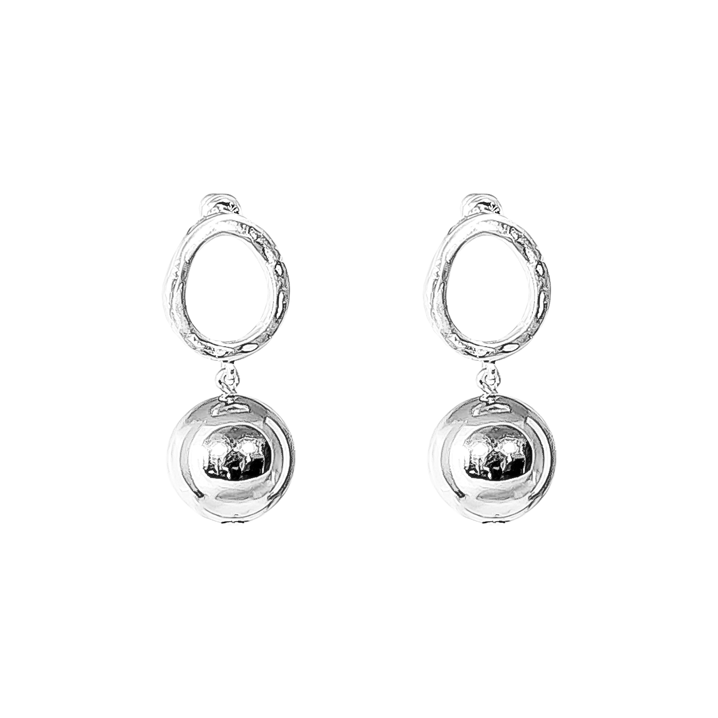 Paradis Stud Earrings | Large Polished Silver Detail