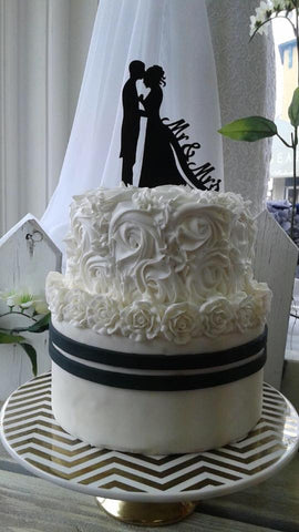 Wedding Cake - Black and White Elegant Roses