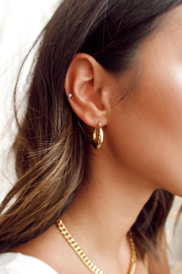 Ellie Vail Rhett Small Hoop Earring