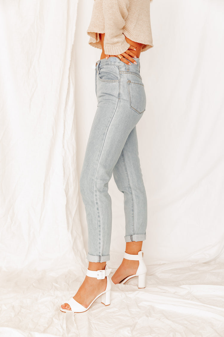 Mason Light Wash Mom Jeans