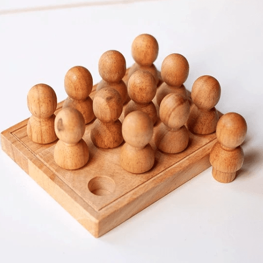 Qtoys - Natural Wooden People In a Tray - Eco Child