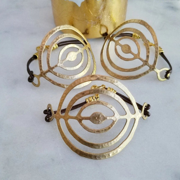 Gold Circles Bracelet in Metallic Brown Leather