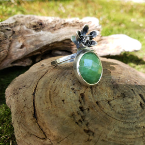 The Woodland Collection - Milkweed Flower Ring with Emerald in Sterling Silver Size 7