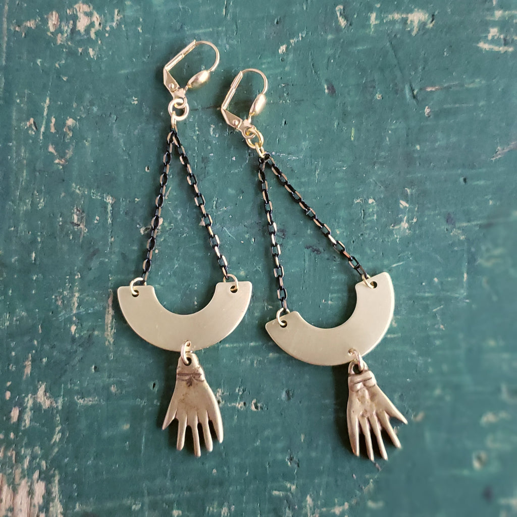 Healing Hands Earrings - Verdilune