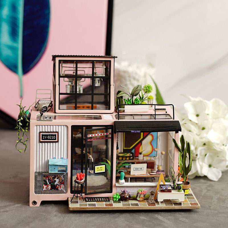 Kevin's Studio Diorama-Rolife-At Play Toys