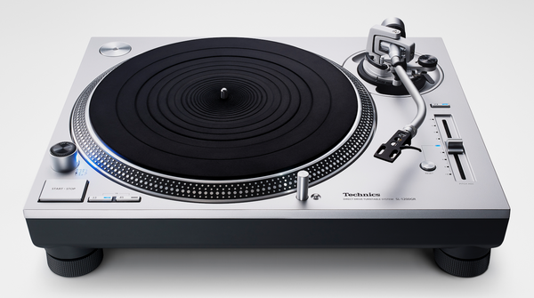 Technics SL-1200GR Direct-Drive Turntable